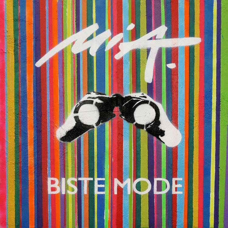 MIA-Biste-Mode-Review