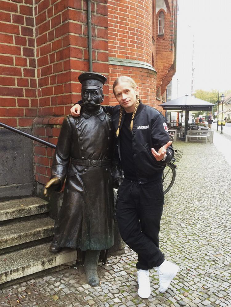 Romano-In-Köpenick-Der Hauptmann und der General